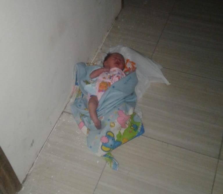 Bayi Mungil Dibuang