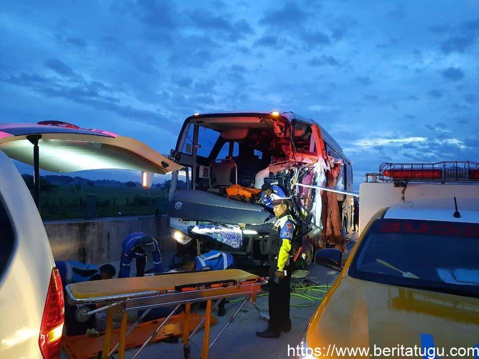 Kecelakaan Maut di tol Madiun – Ngawi 2 Orang Tewas