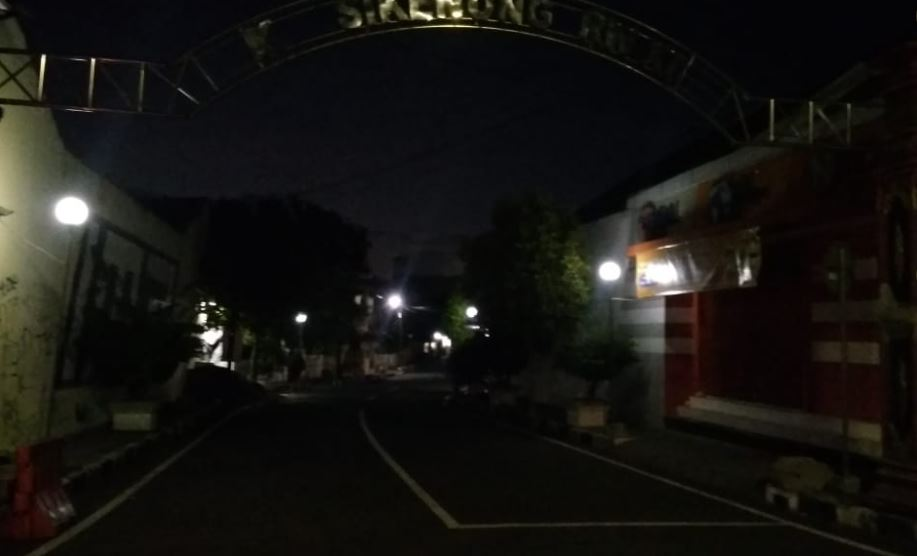 Petugas Pengendalian dan Pengamanan Lalu Lintas Melaksanakan Giat Pembukaan Ruas Jalan Kab.Klaten